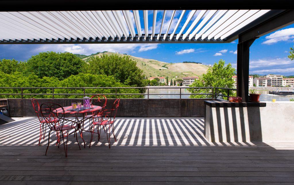 Brustor Lamellendächer und Sonnenschutz bei Wulf & Berger